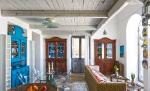 CASA MADONNA-ISOLA DI PONZA (LT)-LAZIO-ITALIA MADONNA HOUSE-PONZA ISLAND (LT)-LAZIO-ITALY CUCINA E SOGGIORNO KITCHEN AND STAY